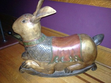 Family treasures, finds and mysteries wooden rabbit