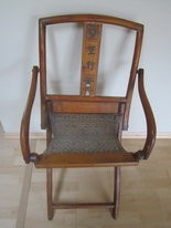 Family treasures, finds and mysteries chair