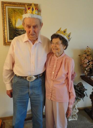 Allan and Edna Nickell were crowned prom king and queen at their retirement center.