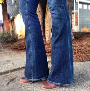 c339b8d358e The hem of your bootcut jeans should hit the tops of your toes in the shoe
