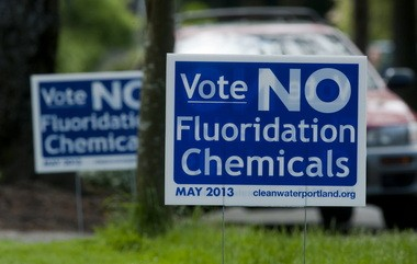 Anti-fluoridation lawn signs have sprouted around the city in advance of the May 21 vote to treat Portland's water.
