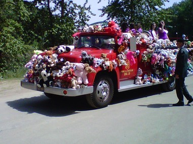 The Teddy Bear Parade is one of Oregon City's signature events. It starts at 10:30 a.m. May 3 in downtown Oregon City and ends up at the Pioneer Family Festival in Clackamette Park.