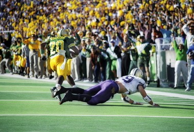 Kenny Wheaton raced 97 yards with an interception in 1994 that sealed the Ducks victory over Washington.