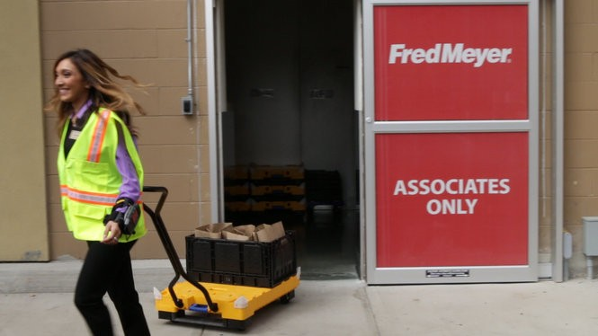 Fred Meyer is rolling out its new online shopping program. Pickup hours are 8 a.m. to 9 p.m. every day.
