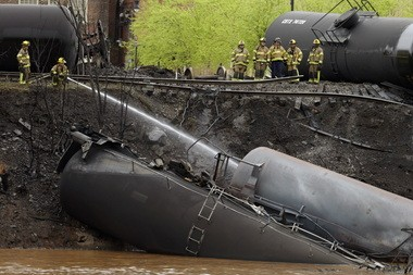 A multi-car derailmentApril 30, 2014,in Lynchburg, Virginia, spilled nearly 30,000 gallons of oil into the James River.