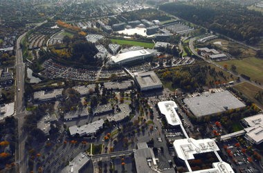 1de652354b1393 The first phase of the Nike World Headquarters campus opened in 1990 and  included eight buildings