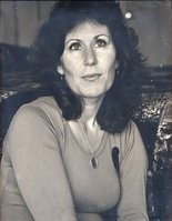 Phyllis T. Zeff, Uisna's mother.