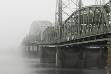 An  Oregon legislative committee took a step toward replacing the Interstate 5 bridge Monday by voting for the $3.4 billion project.