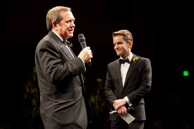 (Left to Right) Jordan Schnitzer with Oregon Symphony President Scott Showalter, announcing the Schnitzer Wonder Award.
