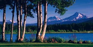 Magnificent Cascade Mountain views can be seen from nearly every vantage point at Black Butte Ranch.