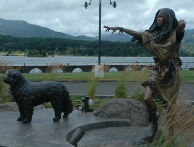 The Sacajawea statue (with Seaman) at the Port of Cascade Locks.