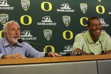 Vin Lananna (left) and Robert Johnson at the September news conference that made Johnson's appointment as Oregon's coach official.