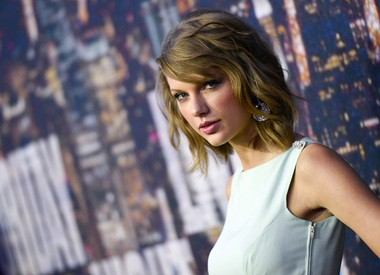 What's Taylor Swift's two-mile PR?