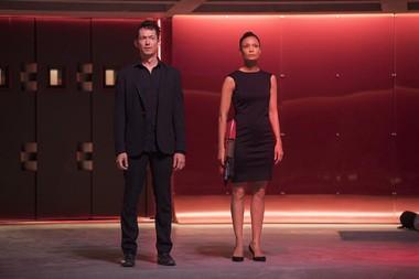 """Simon Quarterman and Thandie Newton in Season 2 of """"Westworld."""""""
