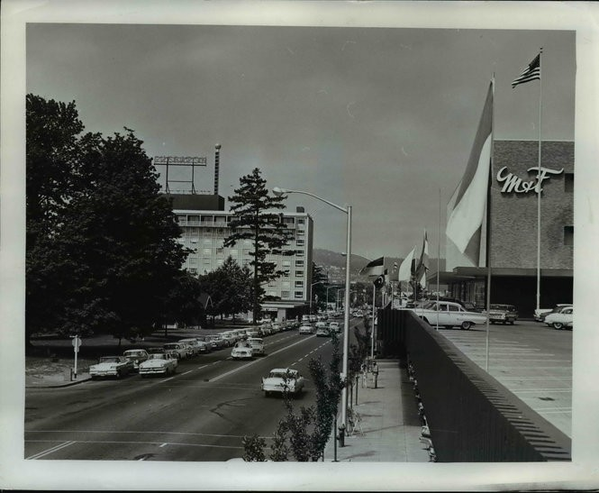 The Lloyd Center through the years (vintage photos