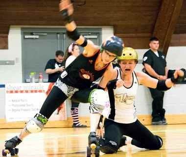 The jammer scores a point each time she passes a blocker on the opposing team.