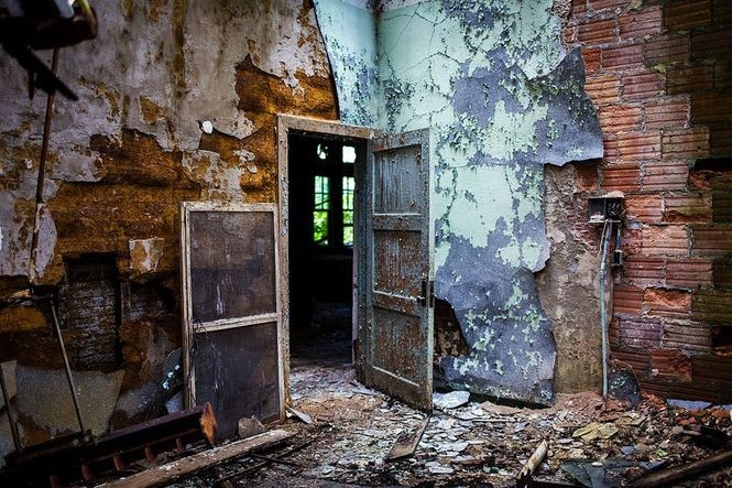 Abandoned & overgrown in Pa : 16 strange spots from theme