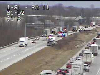 Crash ties up traffic on I-81 in Cumberland County