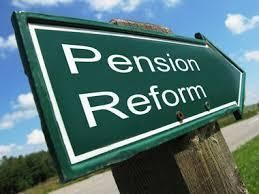 A hybrid pension reform plan that is now under consideration that combines a defined benefit plan with a defined contribution plan for future school and state employees is drawing mixed reviews.