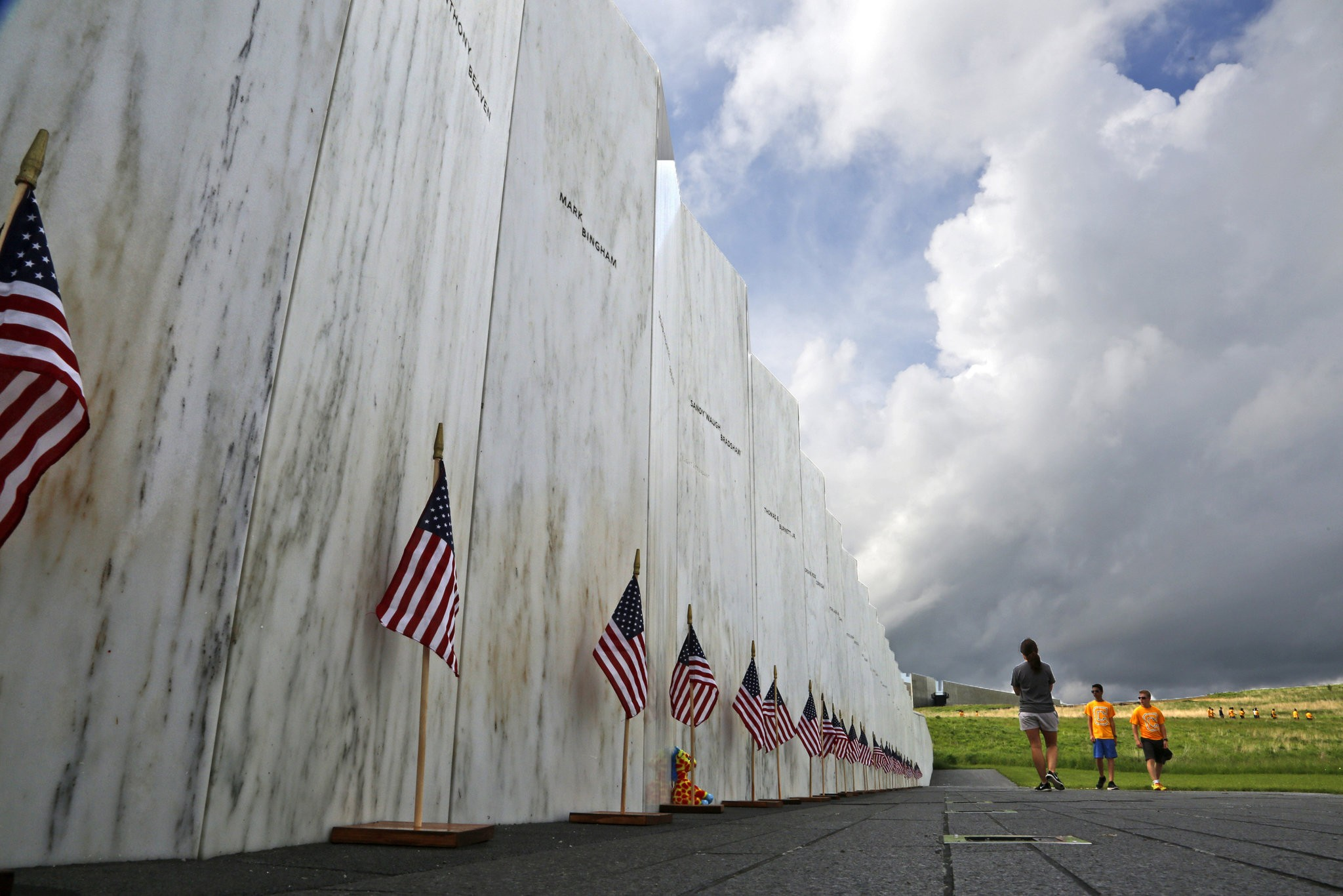 Remaining wreckage of Flight 93 quietly buried at memorial - pennlive.com