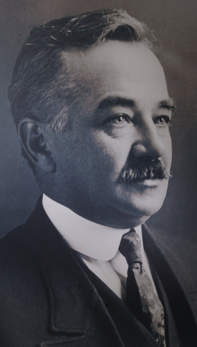 Chocolate Trust' book raises questions about Milton Hershey