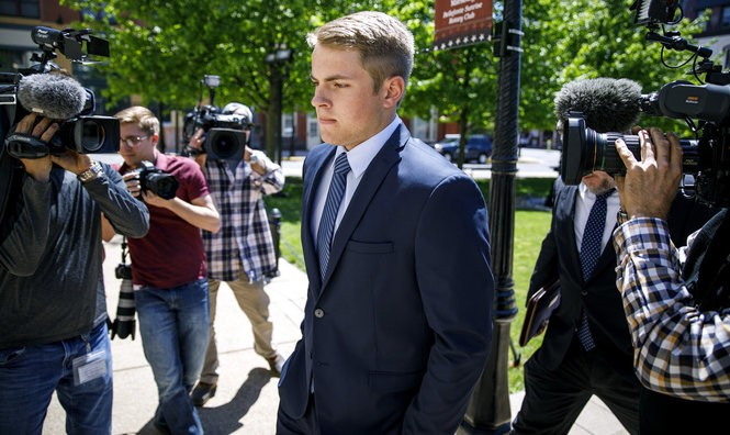 Lars Kenyon enters the Centre County Courthouse in Bellefonte, Pa., May 9, 2017, for his arraignment on charges related to the hazing death of Timothy Piazza at the Penn State Beta Theta Pi fraternity in February, 2017.