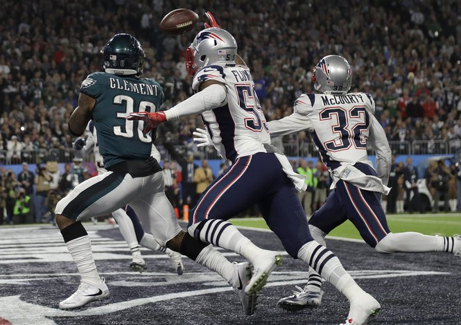 896a0cf462f Philadelphia Eagles' Corey Clement, left, catches a touchdown pass during  the second half of the NFL Super Bowl 52 football game against the New  England ...