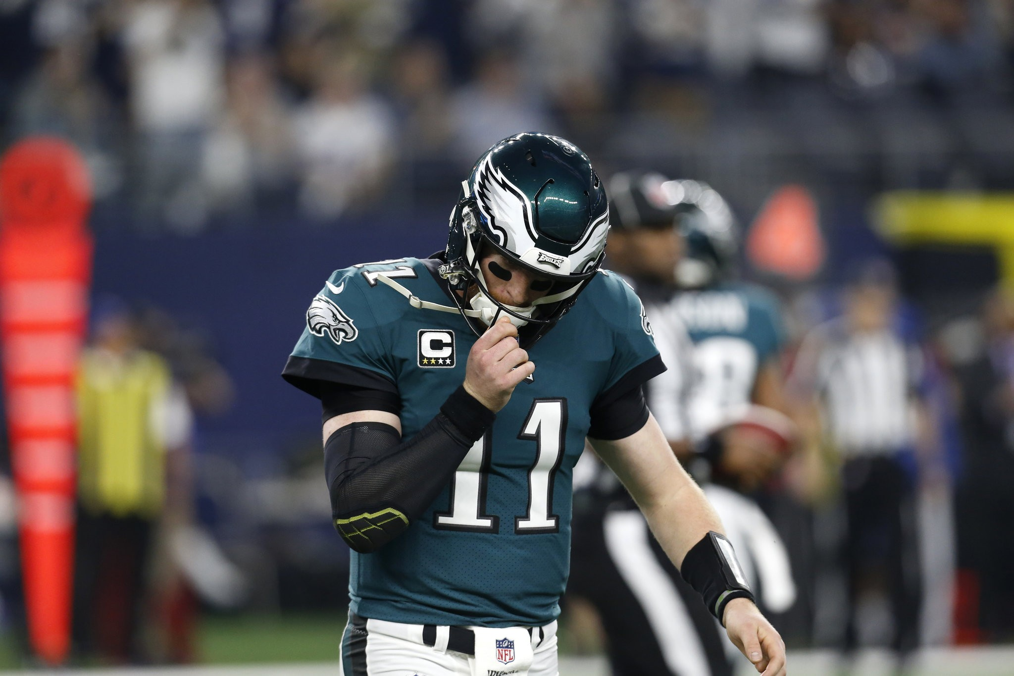 Philadelphia Eagles Injury Update Carson Wentz Back Won T Practice Might Not Play Again This Season Per Report Pennlive Com