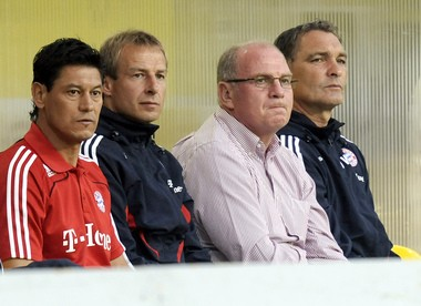 Martin Vasquez, left, served as an assistant under current U.S. national team manager Jurgen Klinsmann at Bayern Munich, where he is shown here in 2008, before rejoining Klinsmann in the same role with the U.S. from 2011-14. (AP Photo/Martin Meissner)