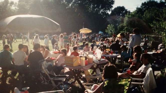 A 1970s Westerleigh Little Guys & Gas picnic