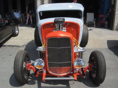Staten Island car show celebrates return of two businesses, post