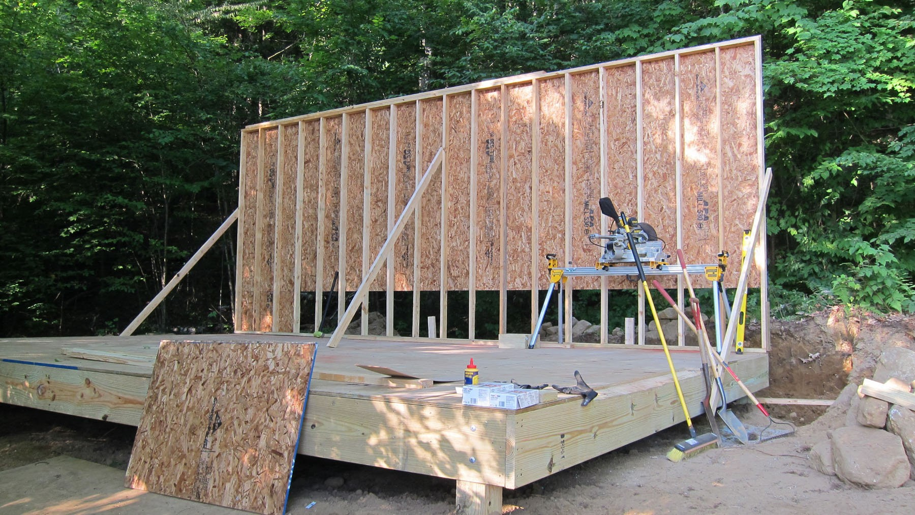 When Building A Storage Shed Protect The Floor From Moisture Silive Com