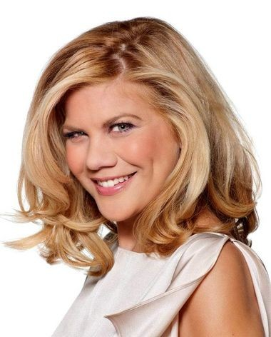 """Actress Kristen Johnston, from TVLAND's """"The Exes"""" is bringing her non-profit, recovery-support program known as SLAM to Lavelle Preparatory Charter School in Bloomfield. (TVLAND photo)"""