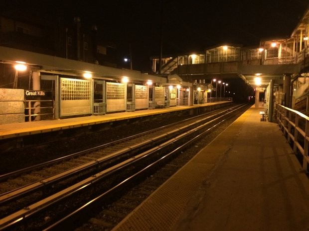 Cops set sights on Great Kills train station, but residents