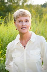 Mary Beth Pfeiffer's new book challenges accepted Lyme disease diagnoses and treatment strategies.