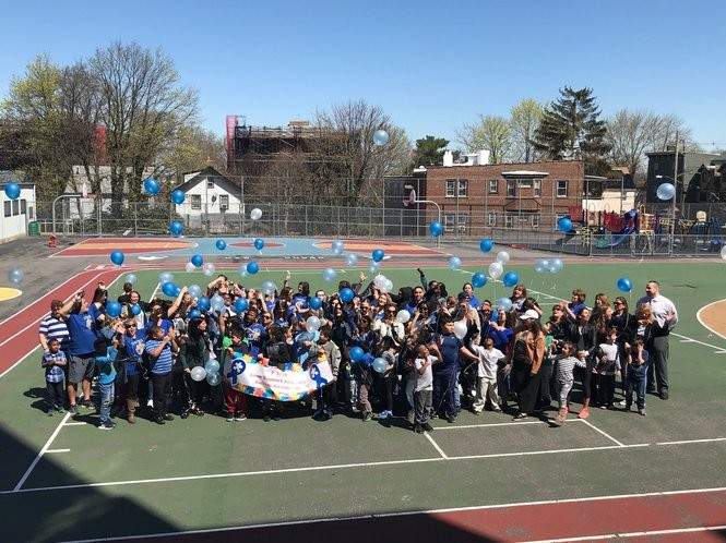 Students at P373R releaseballoons for Autism Awareness Month. (P373R photo)