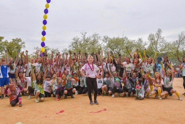 More than 300 students, staff and family members of Totten Intermediate School (I.S. 34) gathered recently for the Totten Tie Dye 2K Color Run. (Photo courtesy of Kim Giaccio)