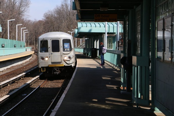 Service on the Staten Island Railway was briefly suspended Wednesday night. (Staten Island Adavnce/Jan Somma-Hammel) (File)