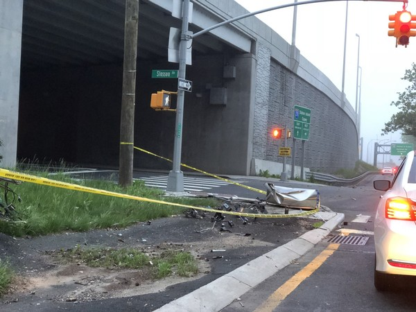 A crash was cleared before the Wednesday morning rush hour at Slosson and Reon avenues.