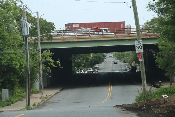 The New York State Department of Transportation has announced a project to rehabilitate four bridges on the Staten Island Expressway. (Staten Island Advance)