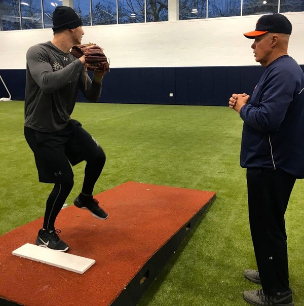 Houston Astros pitching coach Brent Strom, right, gives instruction during a pitching session at the 2016 clinic on Staten Island.