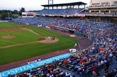 Attendance at Syracuse Chiefs games was up in 2015, but the team still lost money and is asking Onondaga County for a cut in its rent at NBT Bank Stadium.