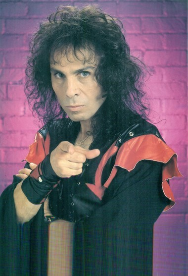 Heavy metal singer Ronnie James Dio will receive the Lifetime Achievement Award from the SAMMYs this year.