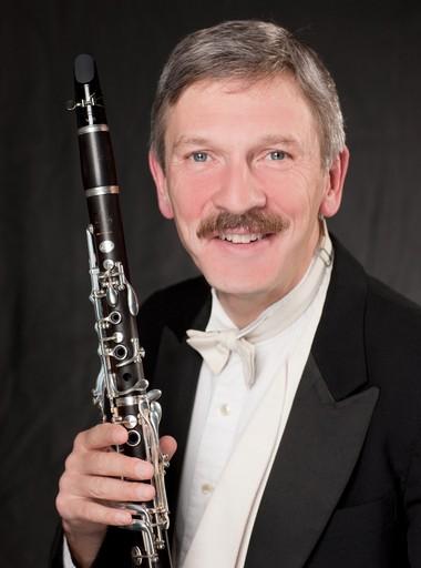 Principal Clarinetist Allan Kolsky.