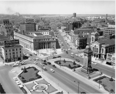Clinton Square in Syracuse, 1958, as Ada Louise Huxtable saw it a few years later - before the demolition of the Urban Renewal era.
