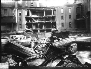 The great collapse of 1907: A mill wall fell into the Erie Canal in Syracuse, punching a hole in the bridge above Onondaga Creek - and throwing the canal system into chaos.