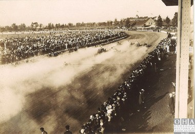 Auto racing at the state fairgrounds, 1911.