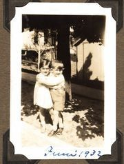 The photo at the heart of a famous author's longshot search: Two children embrace in Syracuse, 1932.