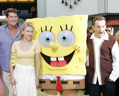 From left, David Hasselhoff, Scarlett Johansson and Tom Kenny arrive at the premiere of 'The SpongeBob SquarePants Movie,' Sunday, Nov. 14, 2004, in the Hollywood section of Los Angeles.
