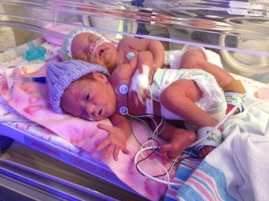 Jenna Hinman's twin daughters turn 2 years old, family